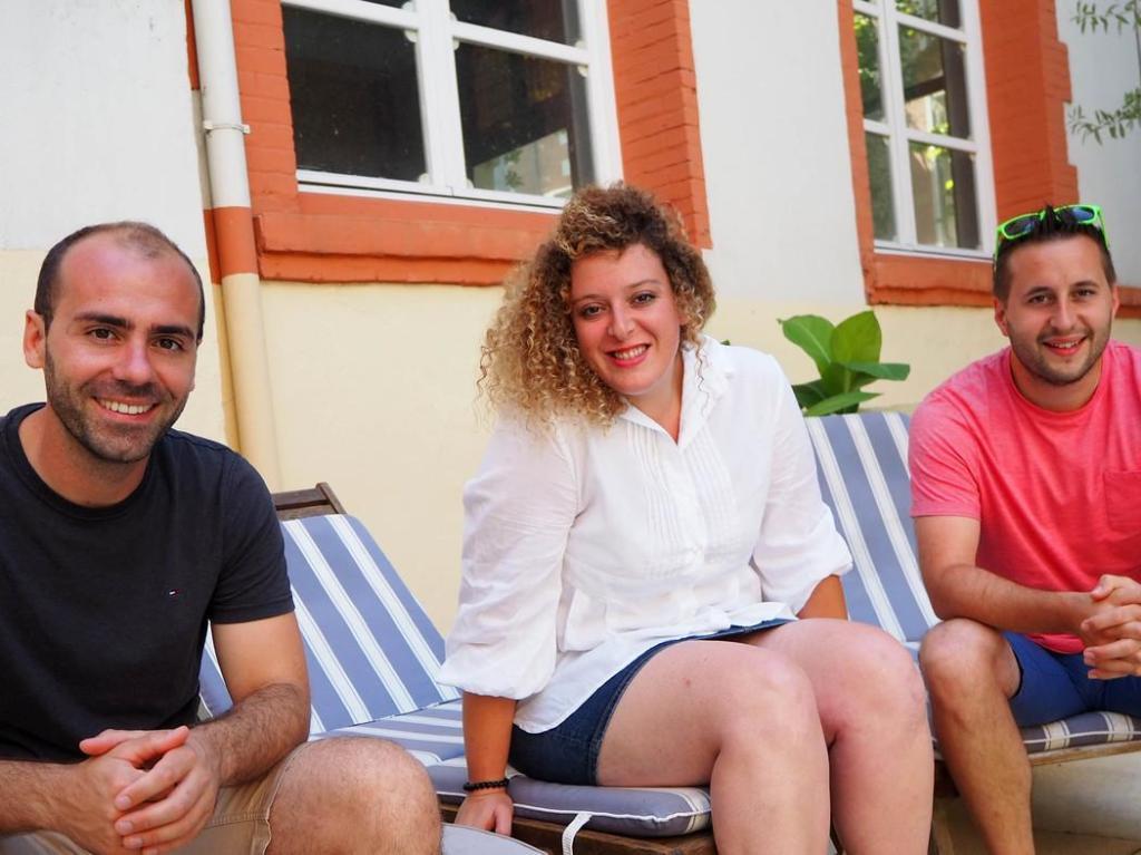 Contacter le groupe Les 3 Cafés Gourmands  Désirez-vous écrire à Milène Madrias, Jeremy Pauly ou Sébastien Gourseyrol ?