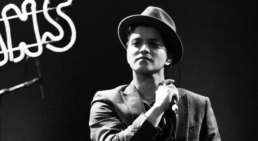 Bruno-Mars-contacts