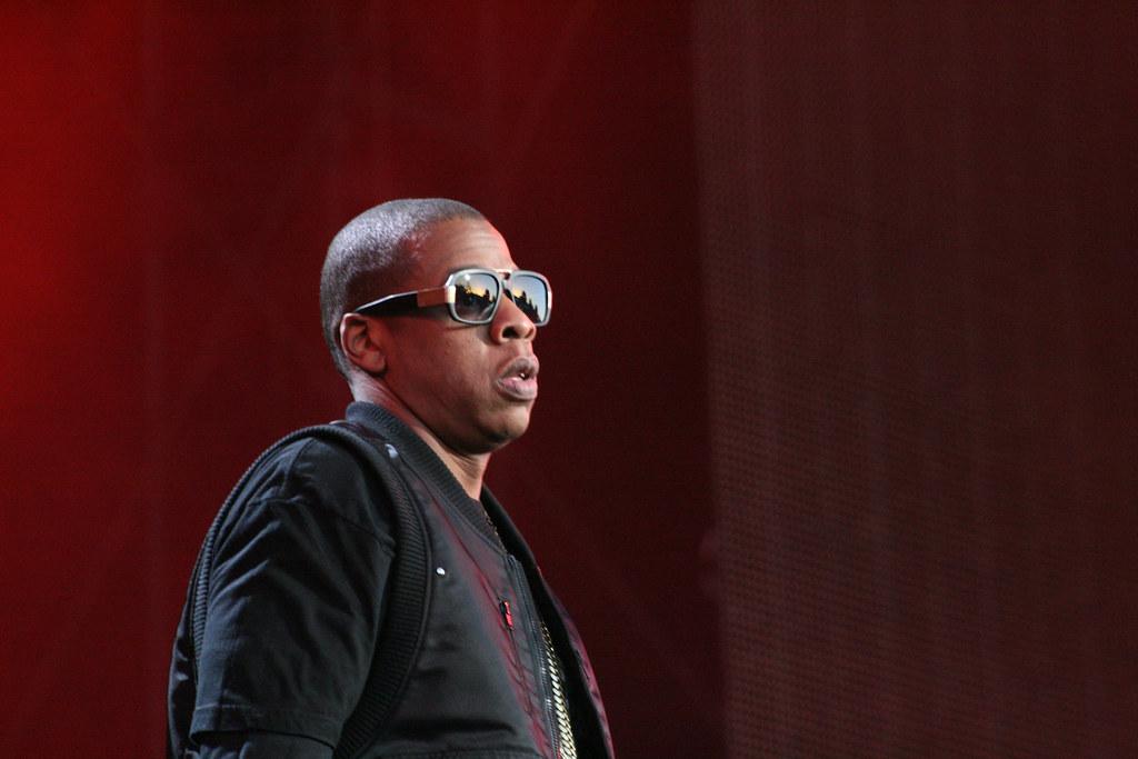 Recherchez-vous les coordonnées du label de Jay-Z (numéro de téléphone, adresses postales et emails) ?