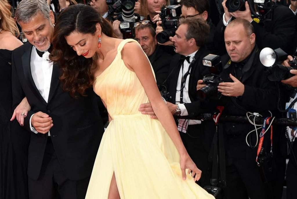 Envoyer un message ou se rendre au siège du festival de Cannes