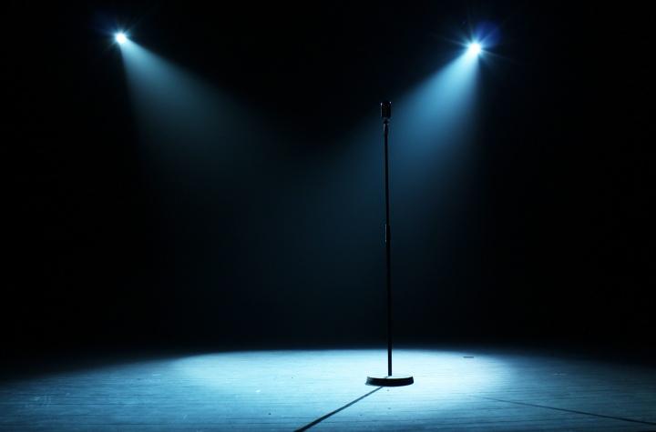 CONTACTER UN HUMORISTE | Stand-up et One-manshow
