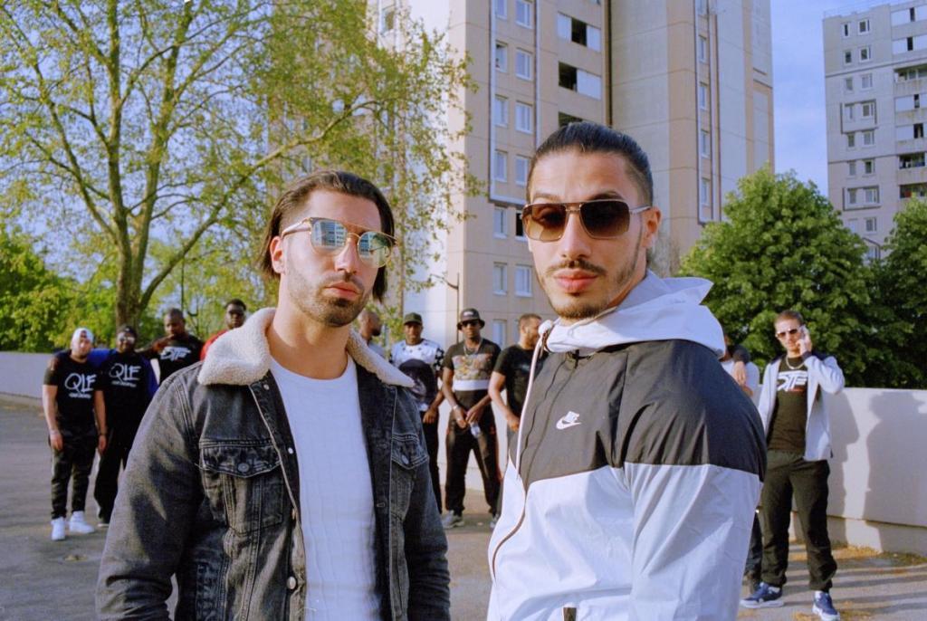 Contacter PNL | Écrire à Ademo et N.O.S (Tarik et Nabil Andrieu) Un an, Ademo et N.O.S sortent un deuxième album, Dans la Légende. En une semaine seulement, il est devenu disque de platine. Certains clips sont visionnés plus de 100 millions de fois.