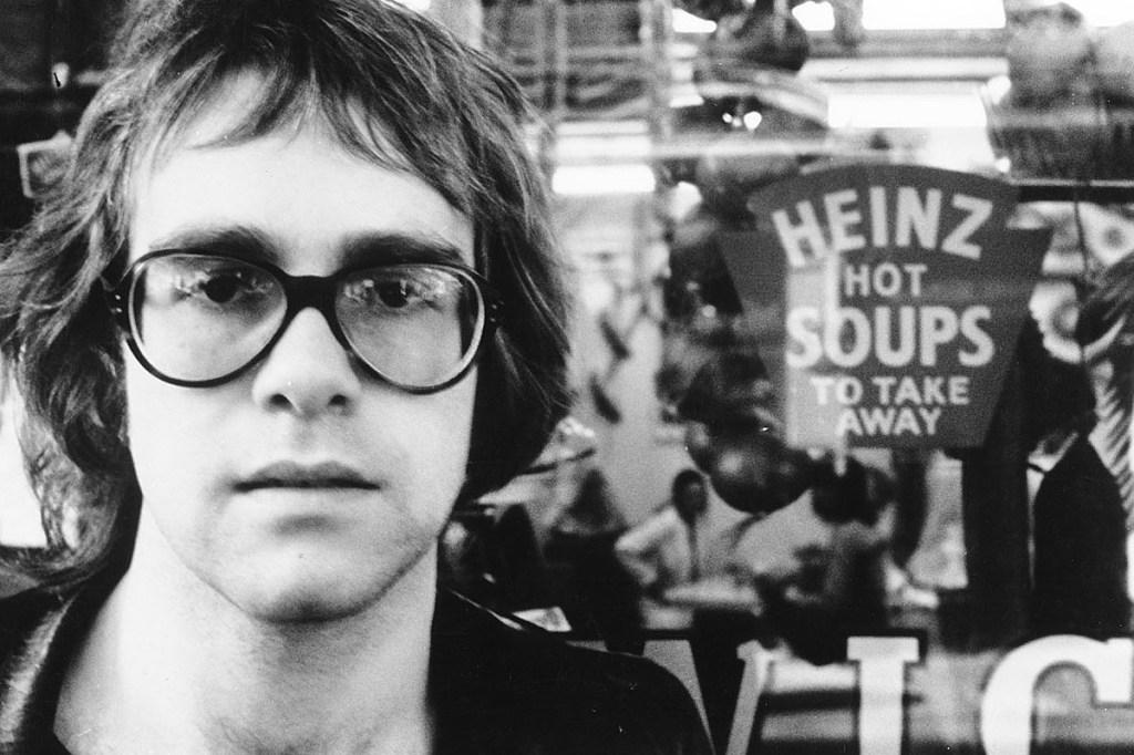 Contacter ELTON JOHN | Les adresses pour écrire un message à Elton John- Ecrire un message à Elton John : l'adresse postale