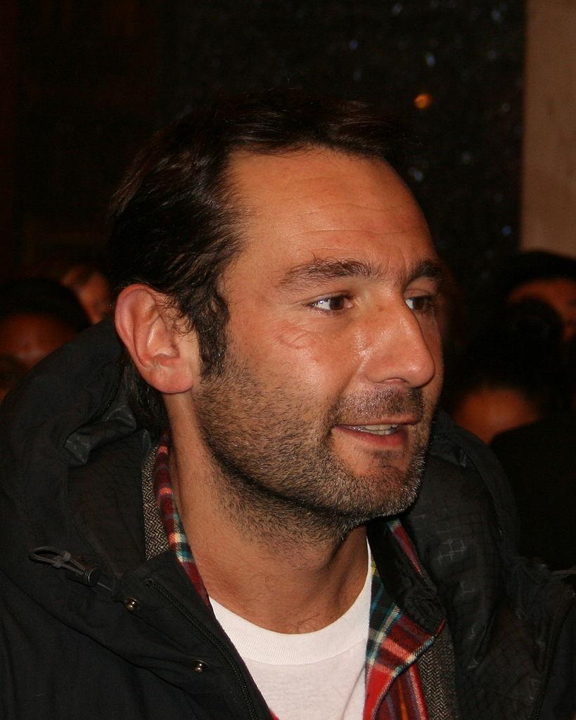Cherchez-vous à joindre l'acteur Gilles Lellouche pour une photo dédicacée ?
