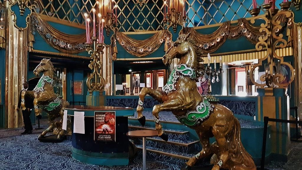 Contacter le cabaret LES FOLIES BERGÈRE à Paris Les Folies Bergères se trouvent au  32, Rue Richer, Paris 75009.