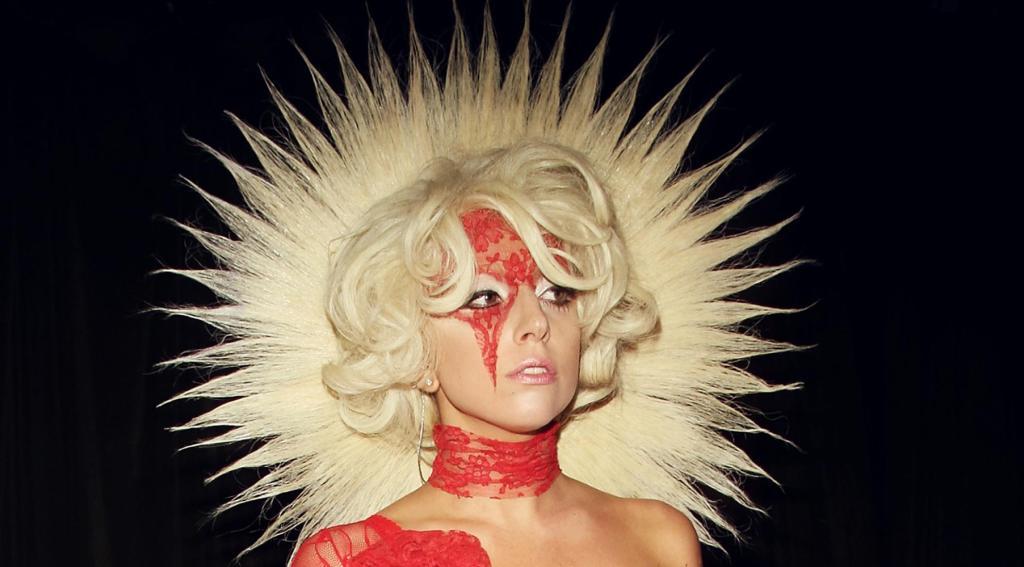 LADY GAGA  : portrait d'une artiste unique (coordonnées, bio, actus) Zoom sur LADY GAGA : actrice et musicienne