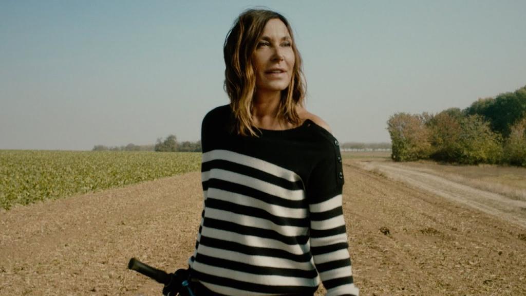Contacter ZAZIE | Écrire à Isabelle Marie-Anne de Truchis de Varennes dit #Zazie Contacter Zazie via les coordonnées de son label (adresse postale, numéro de téléphone)