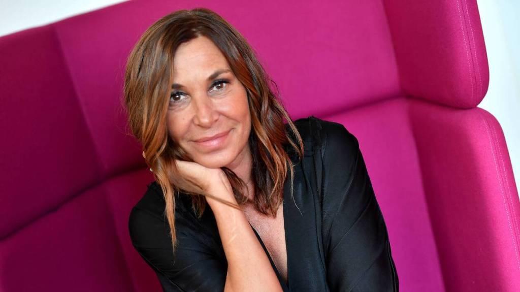 Contacter ZAZIE | Écrire à Isabelle Marie-Anne de Truchis de Varennes dit #Zazie Joindre Zazie via les réseaux sociaux