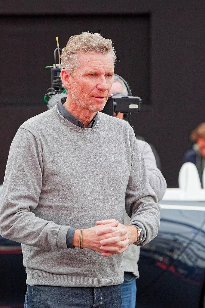 Écrire à Denis Brogniart : ses coordonnées via la chaine de télévision, TF1    - Joindre DENIS BROGNIART | Contacts de l'animateur et journaliste sportif de TF1