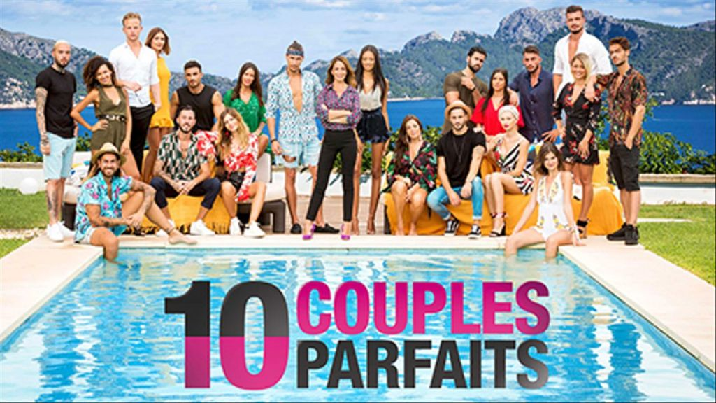 """10 Couples Parfaits est un programme qui regroupe des candidats, hommes et femmes célibataires, afin de former des couples """"parfaits"""" selon leurs affinités (physique, intellectuel, ambition, passions, activités, etc)."""