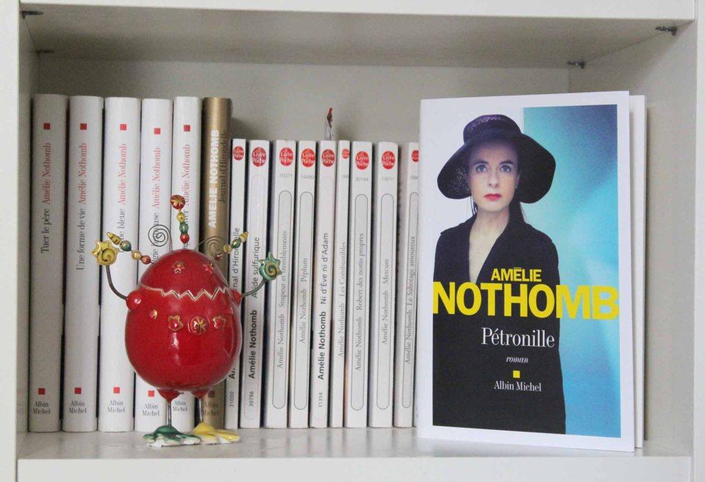 Où écrire à Amélie Nothomb ?  - Contact AMÉLIE NOTHOMB   Écrire à l'auteure #AmélieNothomb