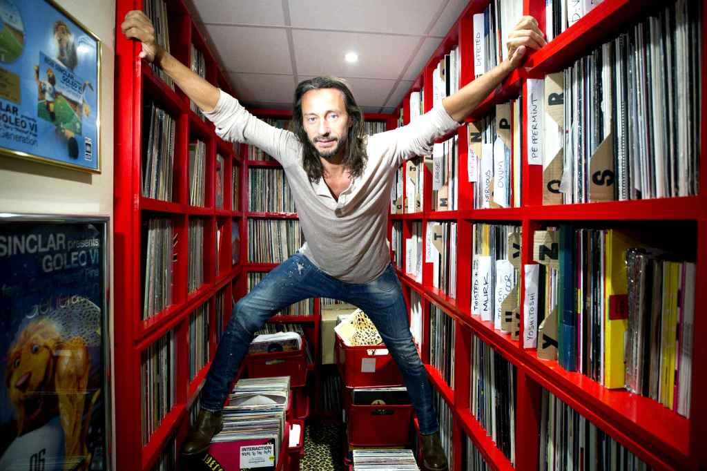 Les différents moyens d'entrer en contact avec le DJ Bob Sinclar - Contacter BOB SINCLAR | Écrire au DJ Christophe Le Friant alias #BobSinclar