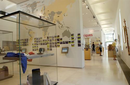 Contacter le musée Jacques Chirac par email et par téléphone - Contacter la famille de JACQUES CHIRAC   Contacter le Musée de Sarran