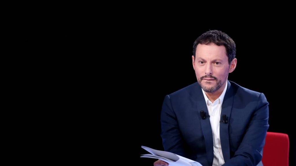 Joindre Marc-Olivier Fogiel via les coordonnées de BFM TV (numéro de téléphone, adresse postale) - Contacter MARC-OLIVIER FOGIEL   Écrire à #marcolivierfogiel