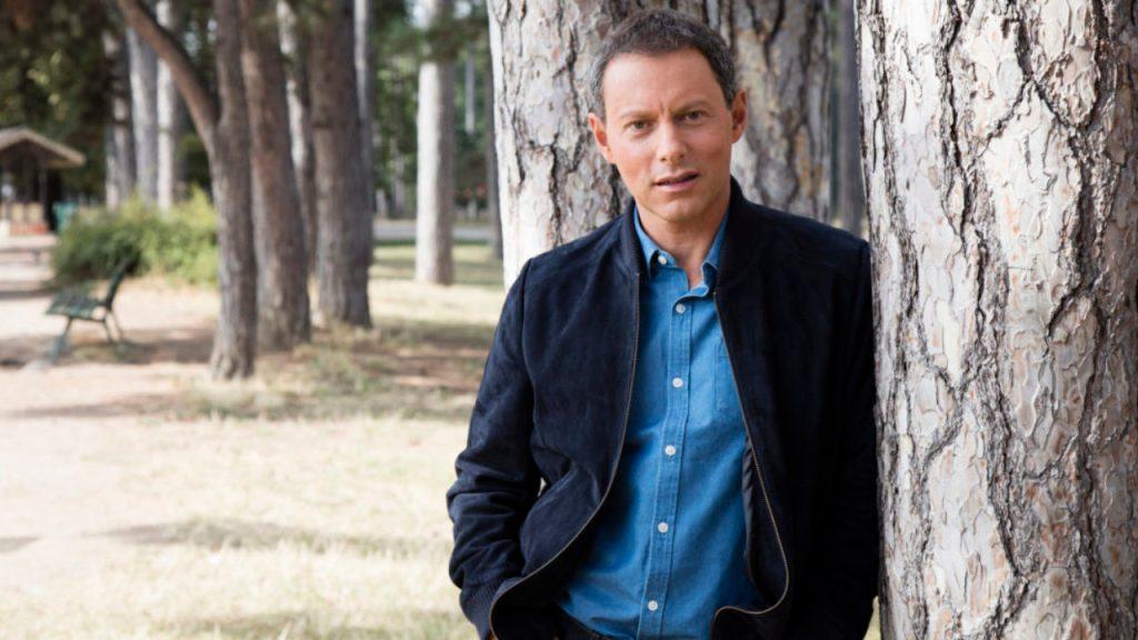 Comment assister aux émissions de Marc-Olivier Fogiel ?  - Contacter MARC-OLIVIER FOGIEL   Écrire à #marcolivierfogiel