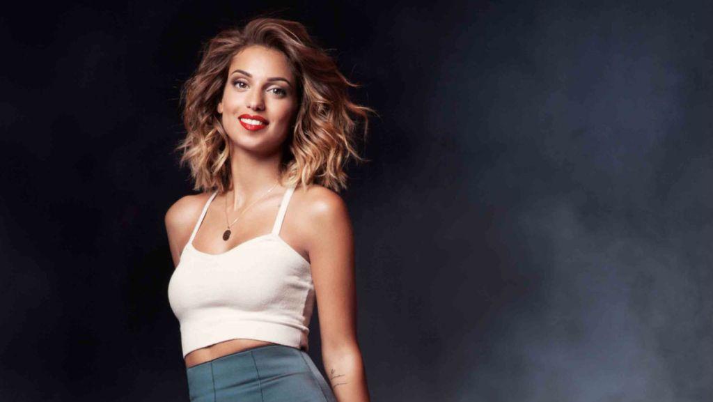 Désirez-vous entrer en contact avec Tal via les réseaux sociaux ? - Contacter la chanteuse TAL   Écrire à #Tal Benyerzi