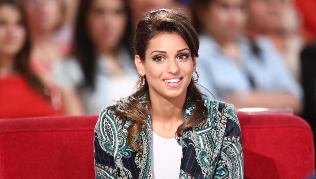 Contacts de Tal en ligne et sur les réseaux sociaux - Contacter la chanteuse TAL   Écrire à #Tal Benyerzi