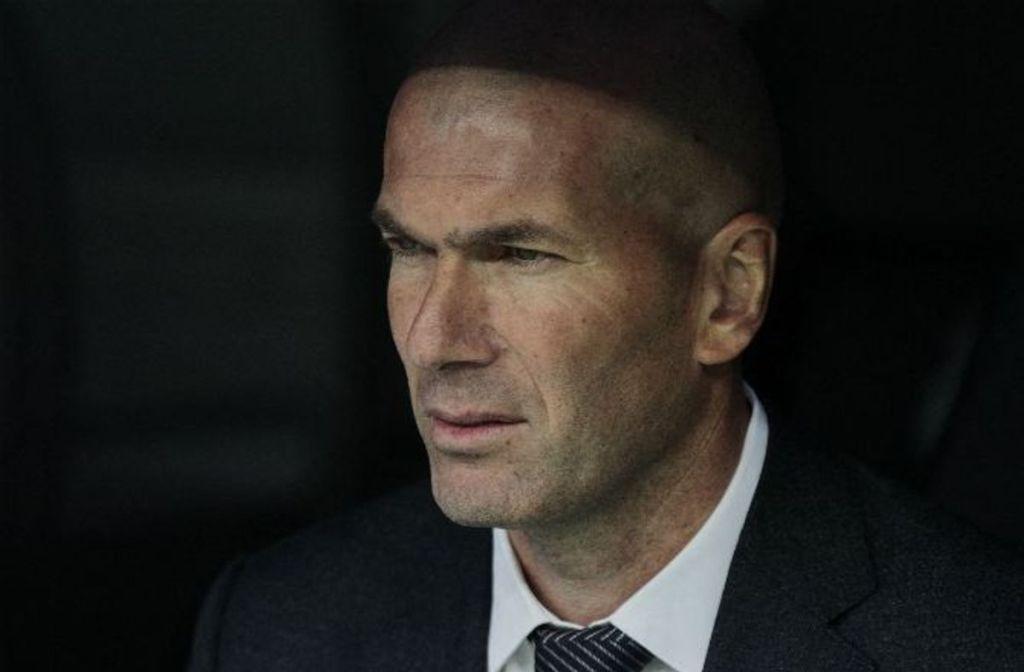 Contacter ZINEDINE ZIDANE | Écrire à #ZinedineZidane Coordonnées du Real Madrid sur les réseaux sociaux