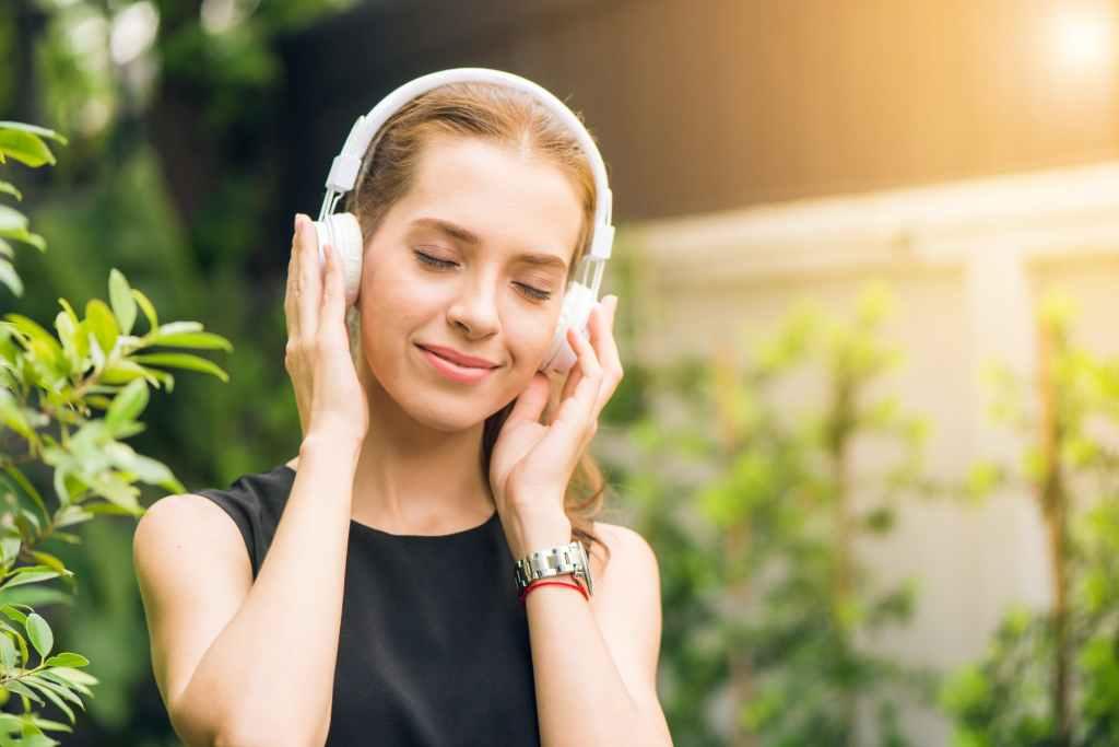Contacter Spotify : coordonnées de l'assistance en ligne  Spotify : service clients, assistance, siège social, contacts sur les réseaux sociaux