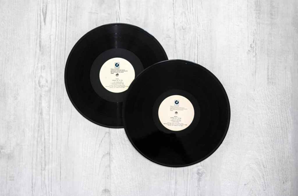 Recherchez-vous les coordonnées d'un producteur ou directeur artistique de Sony Music ?