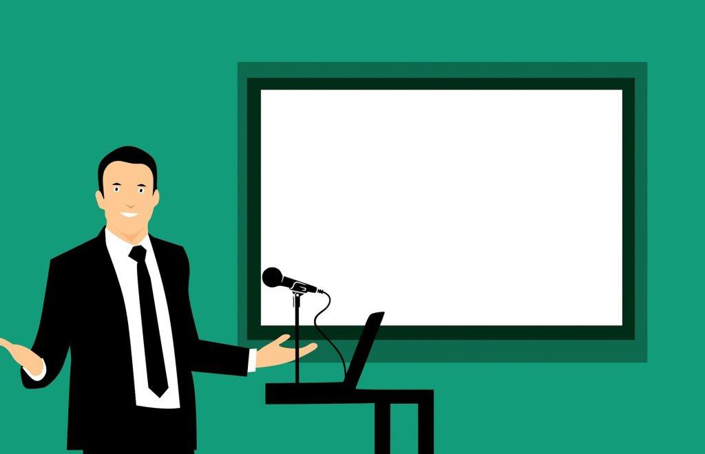 """Quel est le rôle d'un """"facilitateur"""" lors d'une conférence, d'un séminaire, d'une remise de prix ou de diplômes ?"""